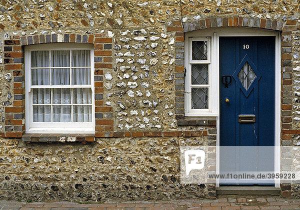 Hausfassade aus Feuerstein  Sussex  England  Großbritannien
