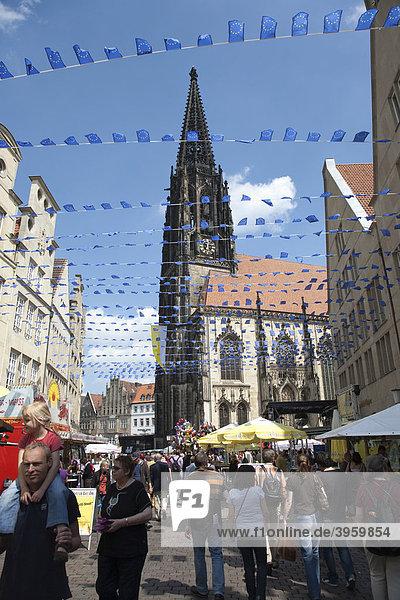 Europe Day in Muenster  gabled houses on the Prinzipalmarkt square  St. Lamberti Kirche church  North Rhine-Westphalia  Germany  Europe