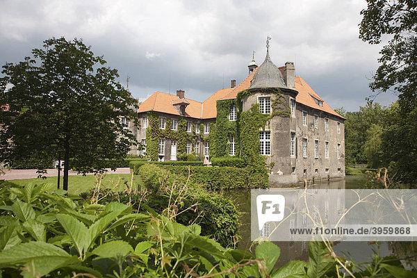 Wasserschloss Itlingen  Barockanlage von Baumeister Johann Conrad Schlaun  Münsterland  Nordrhein-Westfalen  Deutschland  Europa
