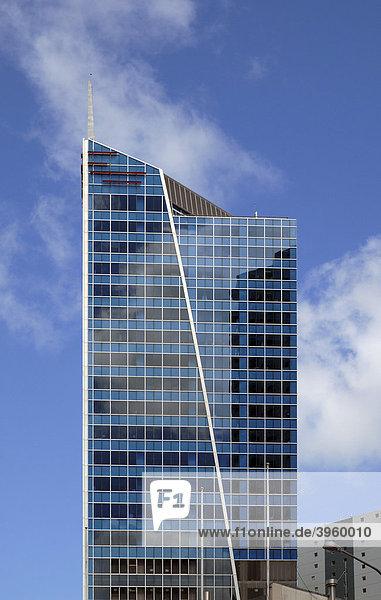 Wolkenkratzer in der Innenstadt vor blauem Himmel  Auckland  Neuseeland