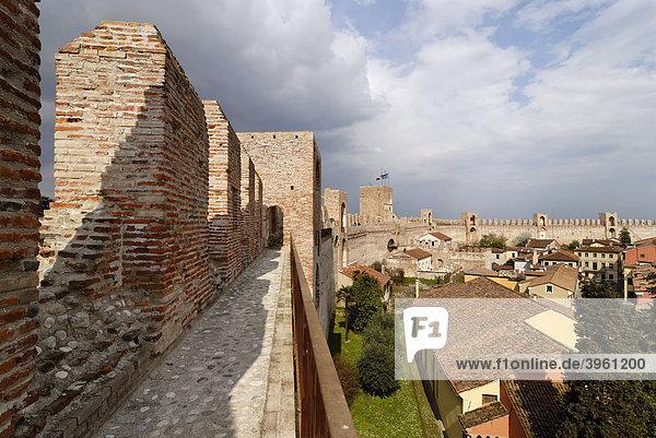 Stadtmauer  Cittadella  Provinz Padua  Veneto  Venetien  Italien  Europa