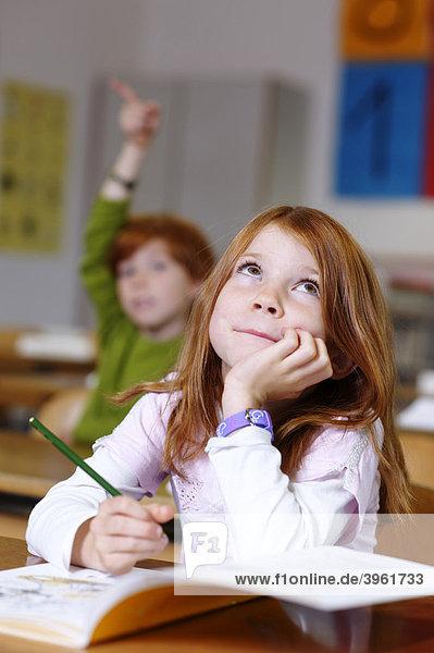 Kind Träumt Im Unterricht