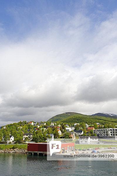Häuser am Tromsoysundet  Tromsö  Norwegen  Skandinavien  Europa