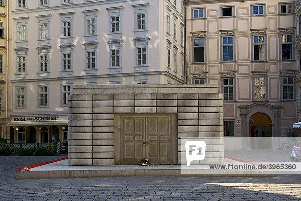 Das Holocaust-Mahnmal von Rachel Whiteread  am Wiener Judenplatz  Wien  Österreich  Europa