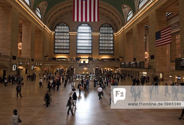 Große Schalterhalle der Grand Central Station in Manhattan  New York City  USA  Nordamerika