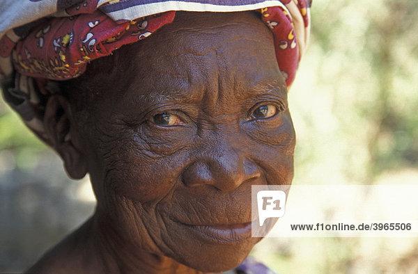 Alte schwarze Frauenpussy