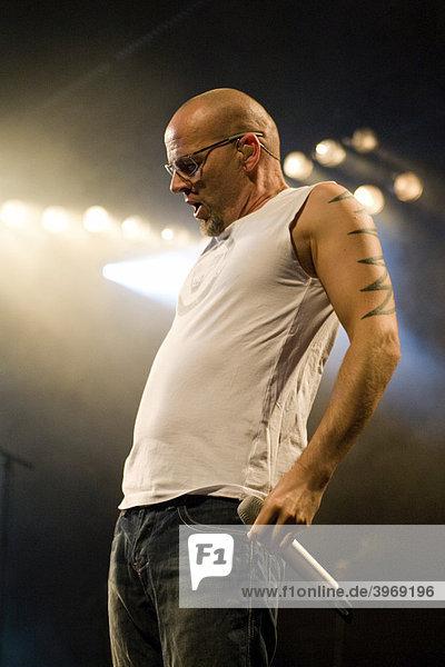 Der deutsche Sänger und Musiker Thomas D live in der Swisslife Arena  Luzern  Schweiz