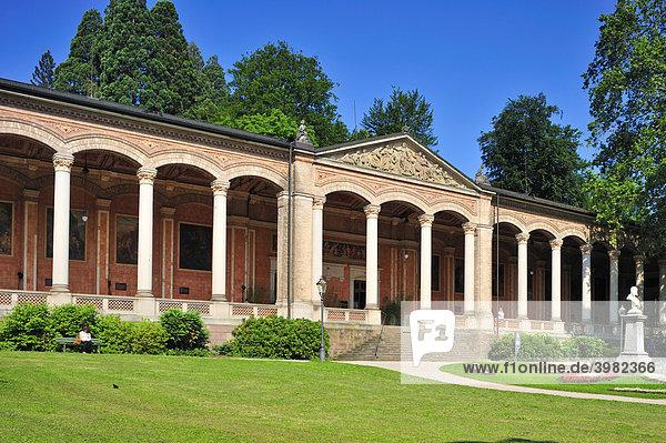 Trinkhalle mit korinthischen Säulen  Baden-Baden  Schwarzwald  Baden-Württemberg  Deutschland  Europa