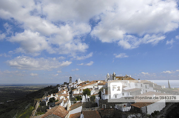 Monsaraz  befestigtes Dorf  Alentejo  Portugal  Europa