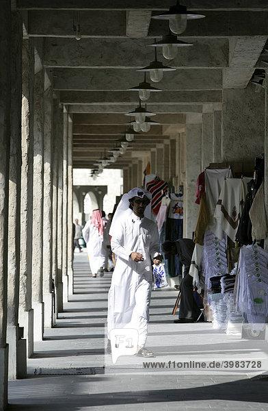 Souq al Waqif  ältester Souq  Bazar  des Landes  der alte Teil ist frisch renoviert  die neueren Teile wurde im historischen Stil umgebaut  Doha  Katar
