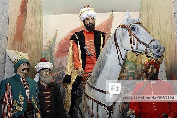 Puppen in osmanischer Kleidung  Sultan auf Pferd mit Begleitung  Janitschar  Militärmuseum  Askeri Müse  Osmanbey  Istanbul  Türkei