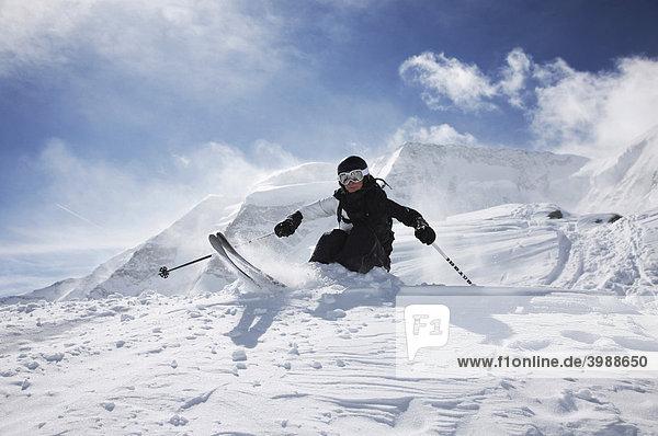 Skifahrerin  St. Moritz  Graubünden  Schweiz  Europa