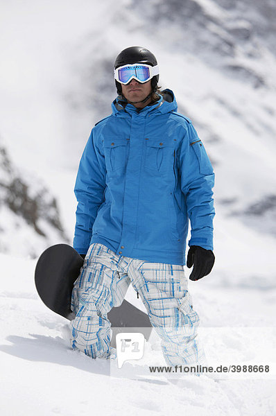 Snowboarder  St. Moritz  Graubünden  Schweiz  Europa