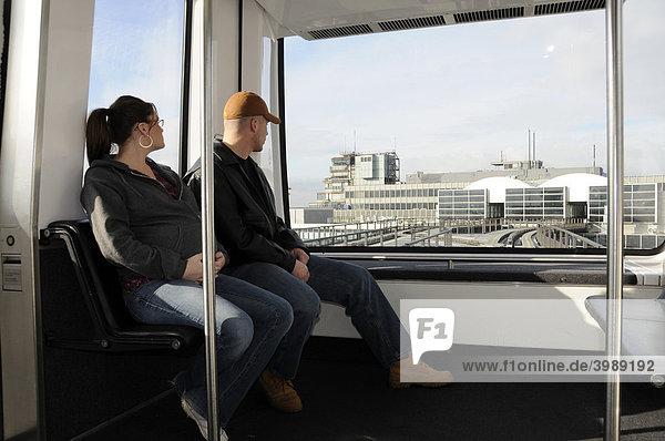 Blick aus der SkyLine zwischen Terminal 1 und 2 am Frankfurter Flughafen  Frankfurt  Hessen  Deutschland