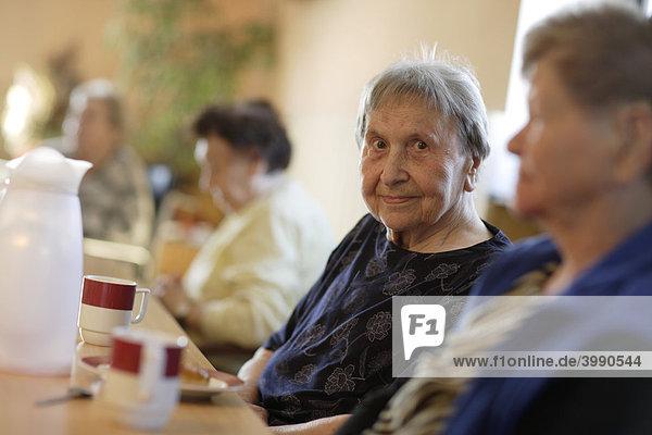 Nursing home  elderly woman