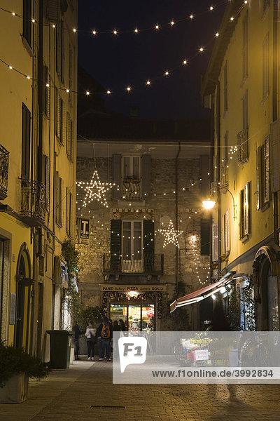 Via Francesco Muratto bei Nacht  Como am Comer See  Lombardei  Italien  Europa