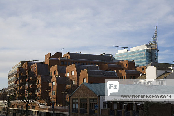Baustelle des The Blade Bürogebäudes  Stadtansicht von Kennet Side aus  Reading  Berkshire  England  Vereinigtes Königreich  Europa