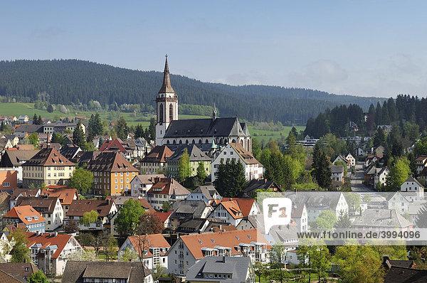 Blick auf Neustadt im Schwarzwald  Landkreis Breisgau-Hochschwarzwald  Baden-Württemberg  Deutschland  Europa