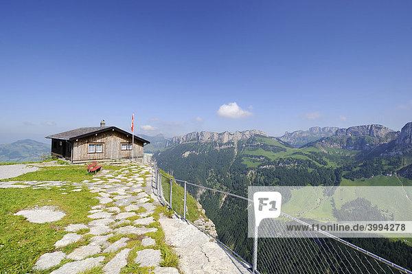 Berghütte auf der Ebenalp  Kanton Appenzell Innerrhoden  Schweiz  Europa