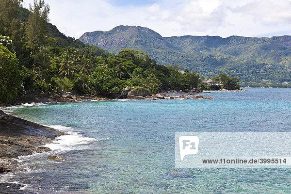 Blick auf die Beau Vallon Bay  Insel Mahe  Seychellen  Indischer Ozean  Afrika