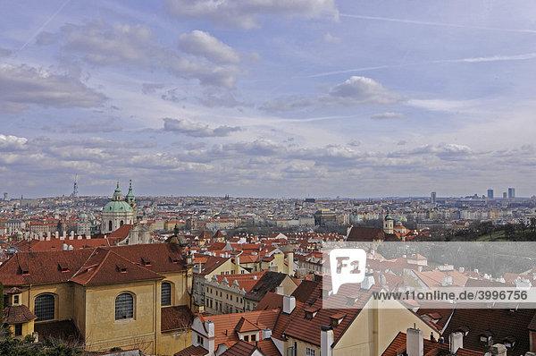 Stadtansicht Prag  Burgberg  UNESCO Weltkulturerbe  Prag  Tschechische Republik  Europa