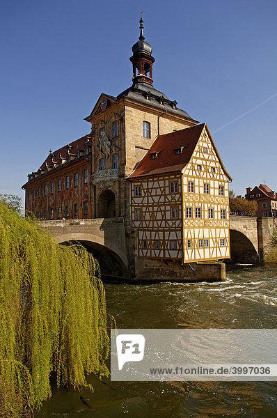 Altes Rathaus mit oberer Brücke in der Regnitz,  Bamberg,  Oberfranken,  Bayern,  Deutschland,  Europa