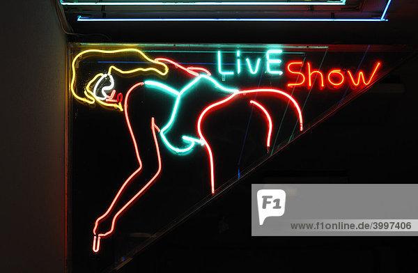 Leuchtwerbung für einen Erotic Shop  Nürnberg  Mittelfranken  Bayern  Deutschland  Europa Leuchtwerbung für einen Erotic Shop, Nürnberg, Mittelfranken, Bayern, Deutschland, Europa