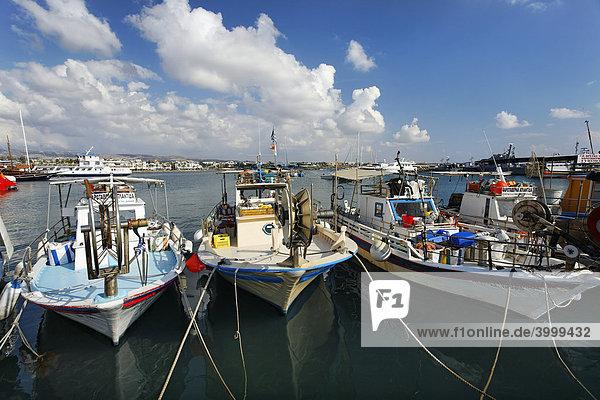 Fischerboote im Hafen  Paphos  Pafos  Zypern  Europa