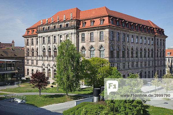 Gewerbemuseum  erbaut 1892-1897  Entwurf Theodor von Kramer  Historismus  Gewerbemuseumsplatz  Altstadt  Nürnberg  Mittelfranken  Franken  Bayern  Deutschland  Europa