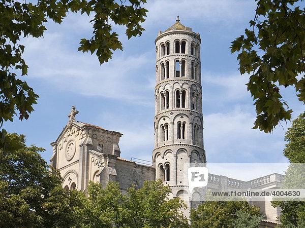 Die Tour FÈnestrelle  42 Meter hoher romanischer Glockenturm der Kathedrale St. ThÈodorit in UzËs  DÈpartement Gard  Languedoc  Frankreich  Europa