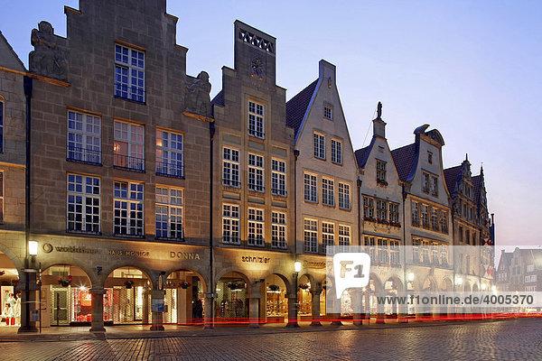 Gable houses on Prinzipalmarkt Square  Muenster  Muensterland  North-Rhine Westphalia  Germany  Europe