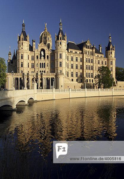 Schweriner Schloss castle  seat of the Landtag parliament of Mecklenburg-Western Pomerania  Schwerin  Mecklenburg-Western Pomerania  Germany  Europe