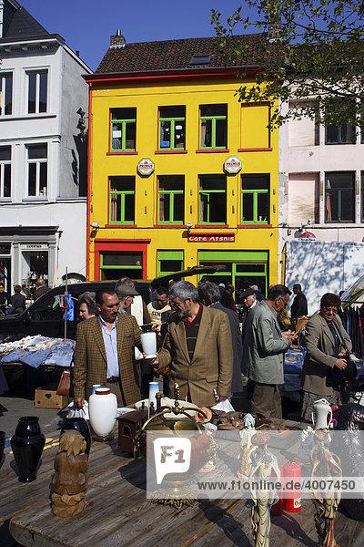 Flohmarkt in Gent  Ostflandern  Belgien  Europa