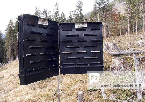 biotechnischer waldschutz ohne gift europa im karwendelgebirge in tirol sterreich lockstoff. Black Bedroom Furniture Sets. Home Design Ideas