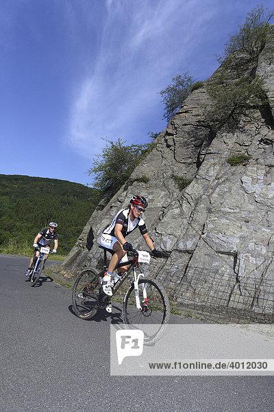 Mountainbike-Rennen in den Weinbergen bei Boppard  Rheinland-Pfalz  Deutschland  Europa