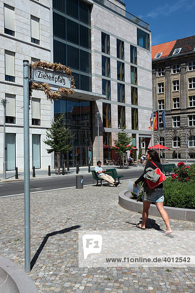 Zietenplatz square at the Representation of the Free State of Thuringia  Mauerstrasse street  Berlin Mitte  Berlin  Germany