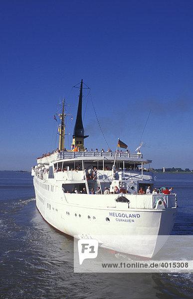Fährschiff nach Helgoland im Hafen von Bremerhaven  Nordsee  Nordseeküste  Niedersachsen  Deutschland  Europa