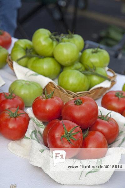 Tomaten zum Verkauf auf einem Bauernmarkt  New Orleans  Louisiana  USA