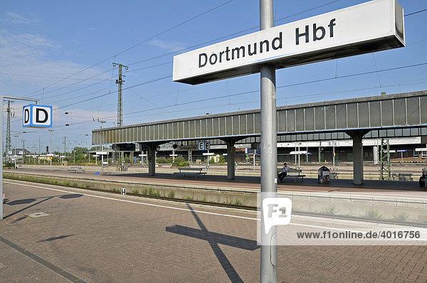Hauptbahnhof in Dortmund  Nordrhein-Westfalen  Deutschland  Europa