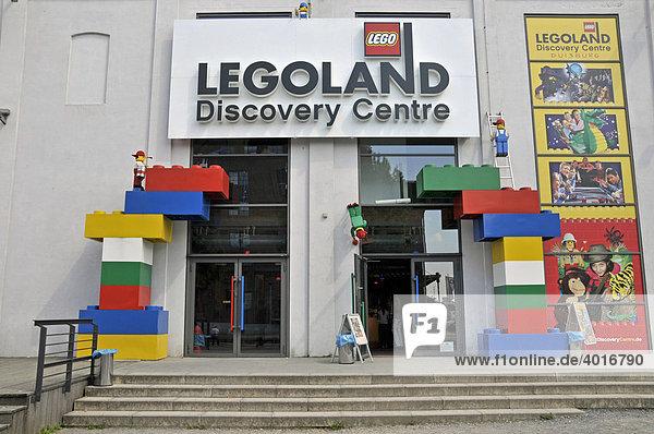Eingang zum Legoland Discovery Center Duisburg  Innenhafen  Duisburg  Nordrhein-Westfalen  Deutschland  Europa Eingang zum Legoland Discovery Center Duisburg, Innenhafen, Duisburg, Nordrhein-Westfalen, Deutschland, Europa