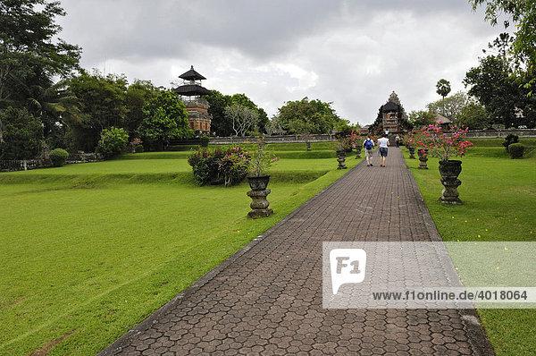 Pura Taman Ayun Tempel mit dem Kulkul Turm in Mengwi  Bali  Indonesien