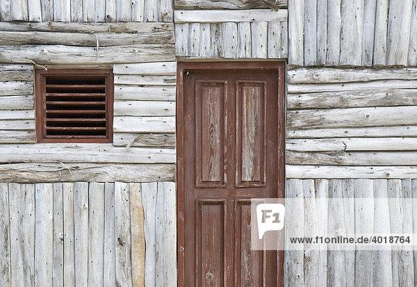 Hausfassade einer Hütte in der Dominikanischen Republik  Punta Cana  Dominikanische Republik  Mittelamerika