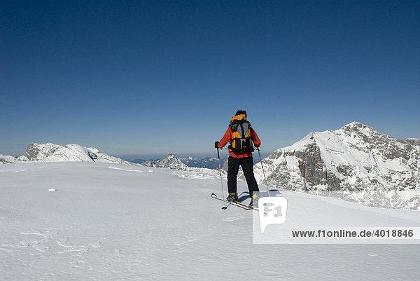 Skitour auf die Gsuchmauer im Nationalpark Gesäuse  Steiermark  Österreich  Europa