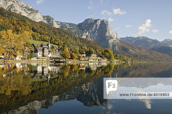 Grundlsee mit Backenstein  1772m  Ausseerland  Steiermark  Österrreich  Europa