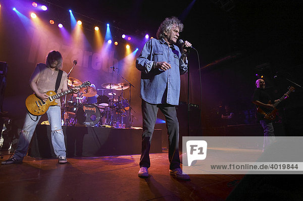 Nazareth  The 40th Anniversary World Tour  vocals: Dan McCafferty  guitar: Jimmy Murrison  bass: Pete Agnew  drums: Lee Agnew  Scottish band in concert on 20th April 2008 in Z7  Pratteln  Switzerland  Europe