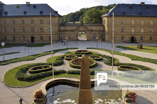 Monumentaler Innenhof von Kloster Banz  bei Bad Staffelstein  Oberfranken  Bayern  Deutschland  Europa