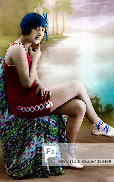 Schwimmerin  junge Frau  Postkartenmotiv  um 1900