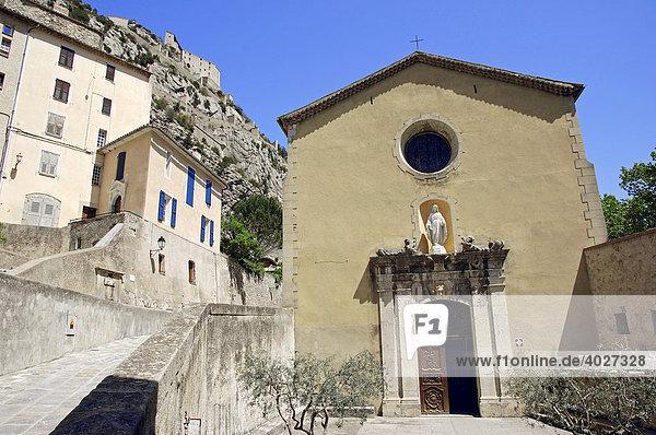 Kathedrale Notre-Dame-de-l'Assomption d'Entrevaux  Entrevaux  Alpes-de-Haute-Provence  Provence-Alpes-Cote d'Azur  Südfrankreich  Frankreich  Europa