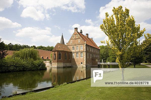 Herrenhaus  erbaut 1540-1545  Wasserburg Hülshoff  Geburtshaus der Dichterin Annette von Droste-Hülshoff  Havixbeck  Münsterland  Nordrhein Westfalen  Deutschland  Europa