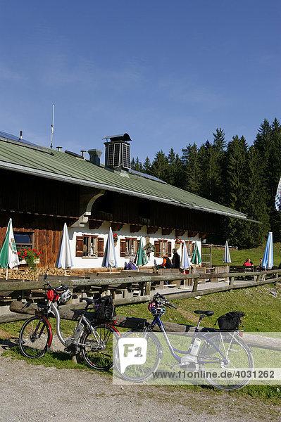 Schwarztennalm  Söllbachtal  Tegernsee  Oberbayern  Bayern  Deutschland  Europa